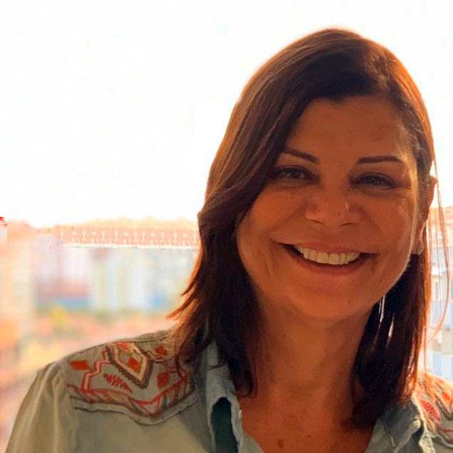 Profª Claudia Machado